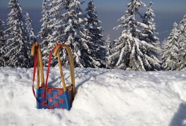 Distracție și petrecerea timpului liber iarna pe munte